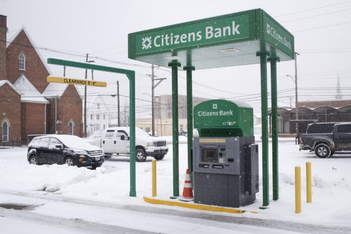 CITIZENS BANK'S Business Conditions Index for Rhode Island increased 2.7% year over year to a value of 61.8 in the fourth quarter. A value over 50 indicates expansion. / BLOOMBERG NEWS FILE PHOTO/TY WRIGHT