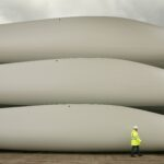 ROUGHLY 8,000 wind turbine blades in the U.S. will be removed in each of the next four years. Blades are typically taken to landfills. / BLOOMBERG NEWS FILE PHOTO/PETER MACDIARMID