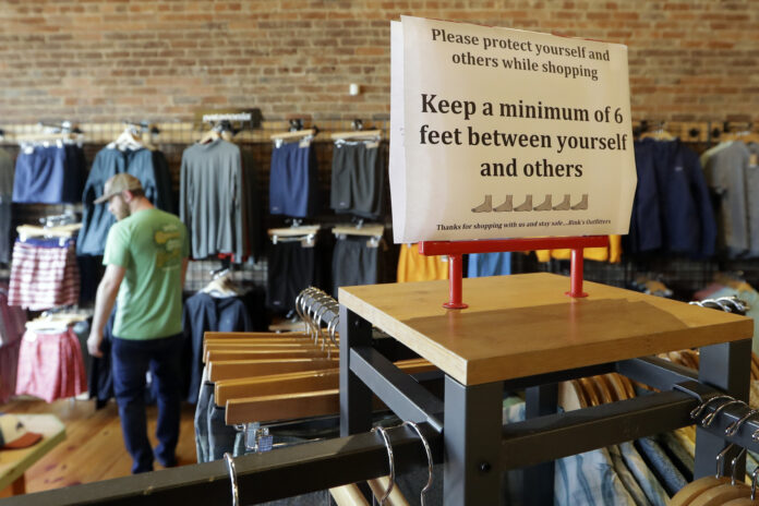 U.S. CONSUMER spending declined 7.5% in March, the sharpest drop on record. / AP FILE PHOTO/MARK HUMPHREY