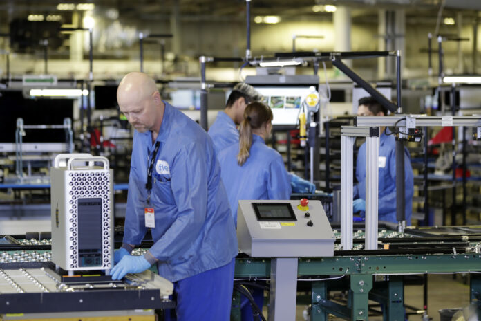 THE INSTITUTE for Supply Management's U.S. manufacturing Index declined for the third consecutive month in May. / AP FILE PHOTO/EVAN VUCCI
