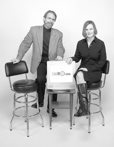 Tom Viall and Linda Woods of ListitRI.com<br>received marketing input from college students.
