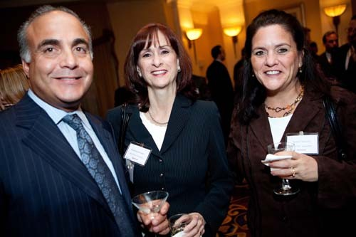 Ron Stabile with Rosemary Ferreira and Barbara Mulcahy of Koch Eye Associates. / Rupert Whitley