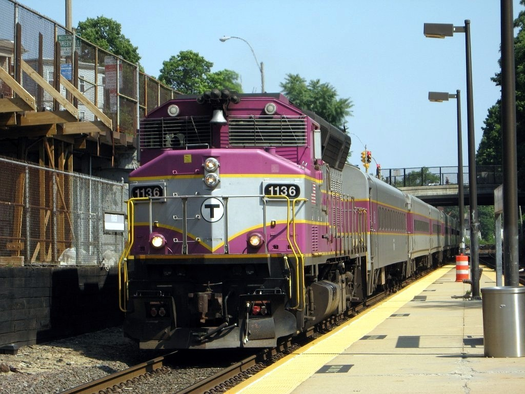 Only two bids for commuter rail contract - Providence Business News