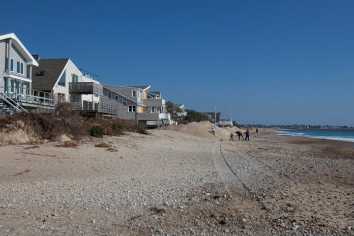 ACCESS DENIED? Owners of seven lots along the Misquamicut beachfront are fighting state attempts to gain public access to property in front of their homes. / PBN PHOTO/DAVID LEVESQUE