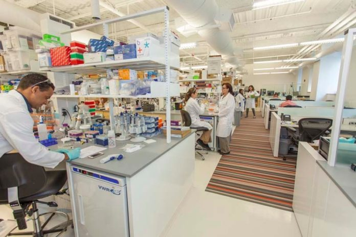 STATE OF THE ART: By sharing workspace, clients at LabCentral avoid the expense of purchasing their own equipment. / COURTESY LABCENTRAL, PAUL AVIS/AVIS STUDIO