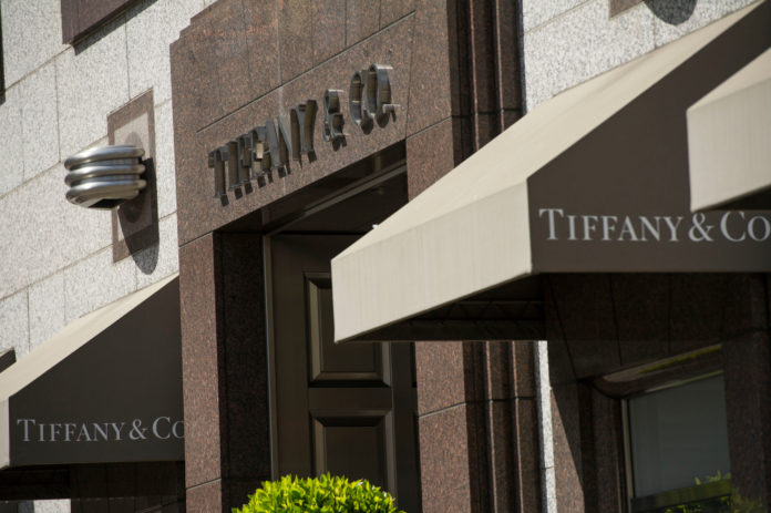 TIFFANY & CO. posted first-quarter sales that missed analysts' estimates. / BLOOMBERG NEWS FILE/DAVID PAUL MORRIS