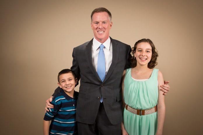 Leukemia Lymphoma Society Man of the Year Kevin O'Neill with LLS Boy and Girl of the Year Nicholas Harrington and Grace Duffy. / PHOTO BY JOHN BORZAIN