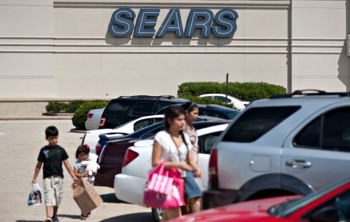"SEARS HOLDINGS Corp. acknowledged ""substantial doubt"" about its ability to keep operating. / BLOOMBERG NEWS PHOTO"