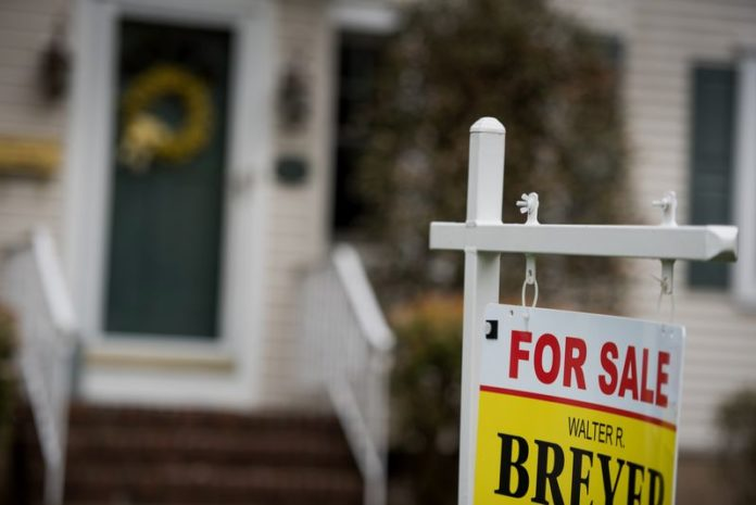 HOME PRICES in Rhode Island climbed 7.4 percent in March compared with March 2016, CoreLogic said Thursday. /BLOOMBERG NEWS PHOTO/RON ANTONELLI