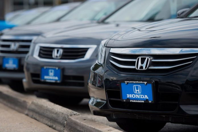 SUV AND TRUCK SALES have countered falling auto sales in the United States. /BLOOMBERG FILE PHOTO/CRAIG WARGA