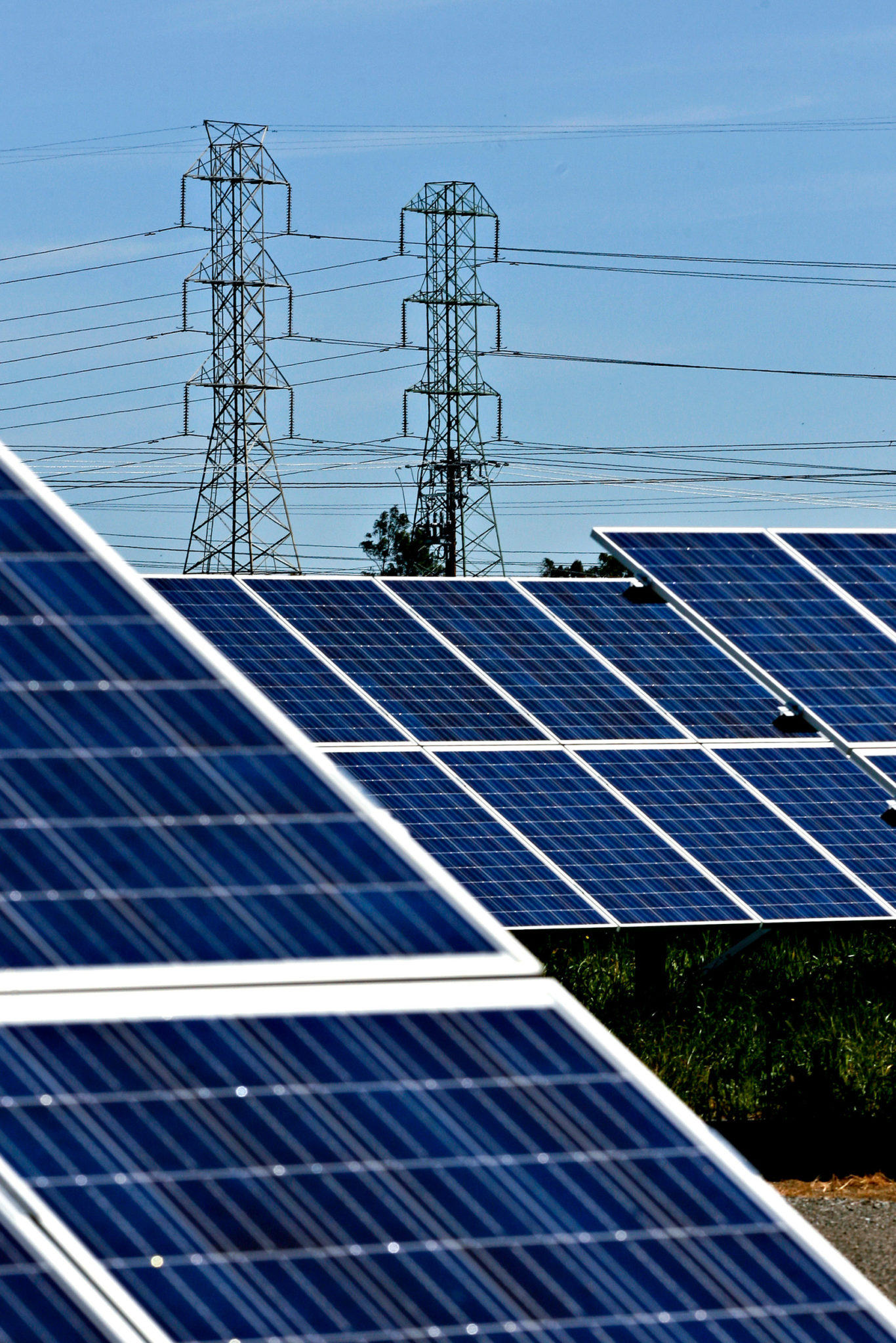 Fossil-fuel friendly tax plan spares oil, not solar, wind or Tesla