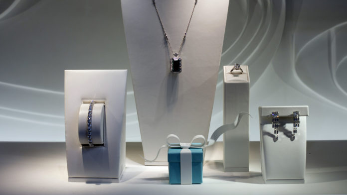 TIFFANY & CO. reported a $100.2 million net profit for the quarter ended Oct. 31, beating projections. / BLOOMBERG FILE PHOTO/VICTOR J. BLUE