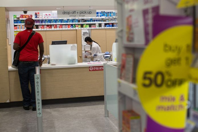 WALGREENS IS REPORTEDLY in talks to take over AmerisourceBergen Corp. / BLOOMBERG FILE PHOTO/CHRISTOPHER LEE