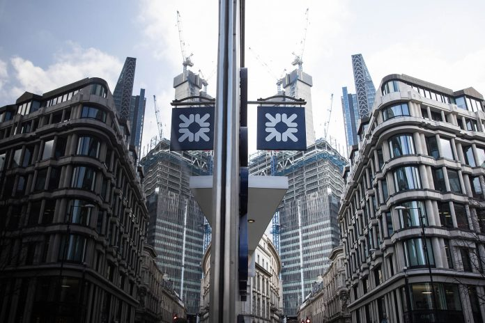ROYAL BANK OF SCOTLAND PLC has agreed to pay $500 million to the attorney general of New York to settle charges related to its marketing of toxic mortgage-backed securities in the run-up to the Great Recession. / BLOOMBERG NEWS PHOTO/SIMON DAWSON