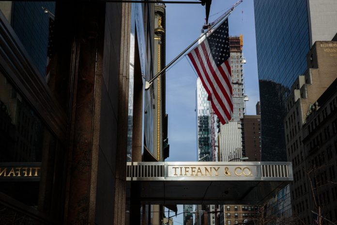 TIFFANY & CO. saw net income for fiscal 2018 fall in large measure due to the effects of the recent federal tax overhaul, although same-store sales across the globe were flat on a constant-exchange rate basis. / BLOOMBERG NEWS PHOTO/SARAH BLESENER