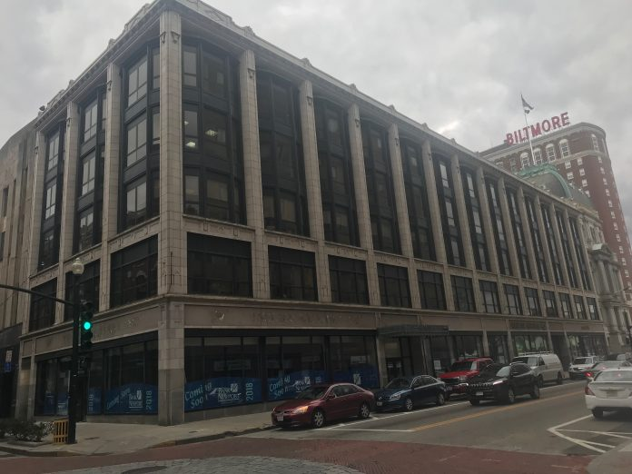 PROVIDENCE CAPITAL HOLDINGS LLC, the owner of the Woolworth Building, at 185 Westminster St., plans to convert the structure into a mixture of residential apartments and commercial units, including a rooftop lounge. / PBN PHOTO/MARY MACDONALD