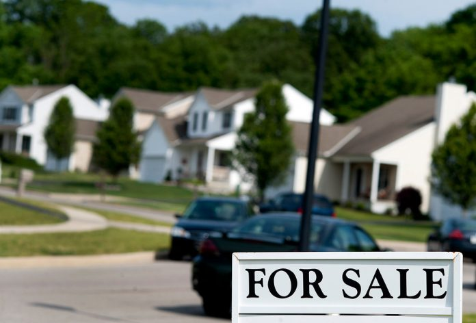 THE MEDIAN PRICE of a United States single-family home in March increased 4.8 percent year over year to $337,200. / BLOOMBERG FILE PHOTO/TY WRIGHT