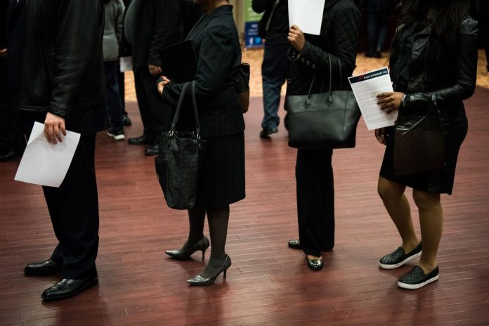 THE U.S. JOBLESS RATE declined to 3.9 percent in April, the lowest since December 2000, after six months at 4.1 percent. BLOOMBERG FILE PHOTO/MARK KAUZLARICH