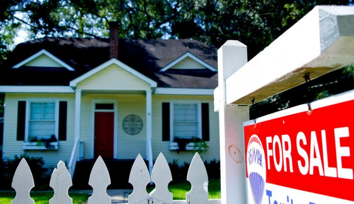 THE RHODE ISLAND home-price index increased 8.7 percent year over year in March. / BLOOMBERG FILE PHOTO/DERICK E. HINGLE