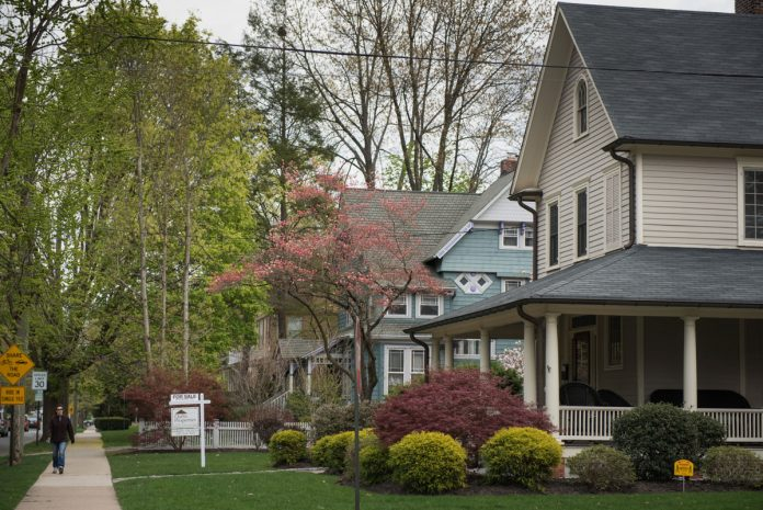 THE HOME PRICE INDEX in the Providence-Warwick metropolitan area increased 8.2 percent year over year in April. / BLOOMBERG FILE PHOTO/RON ANTONELLI