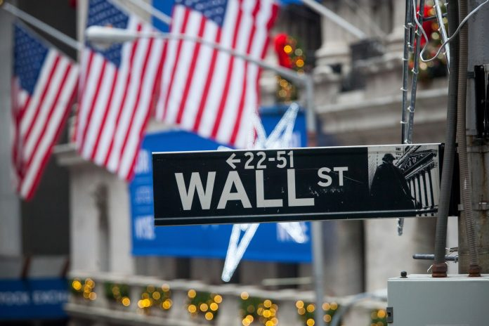 DESPITE ONGOING INTERNAITONAL RELATIONS CHALLENGES, including the escalating trade war between China and the United States, the U.S. equities markets posted significant gains Monday, as earnings season prepares to get underway. / BLOOMBERG NEWS FILE PHOTO/MICHAEL NAGLE