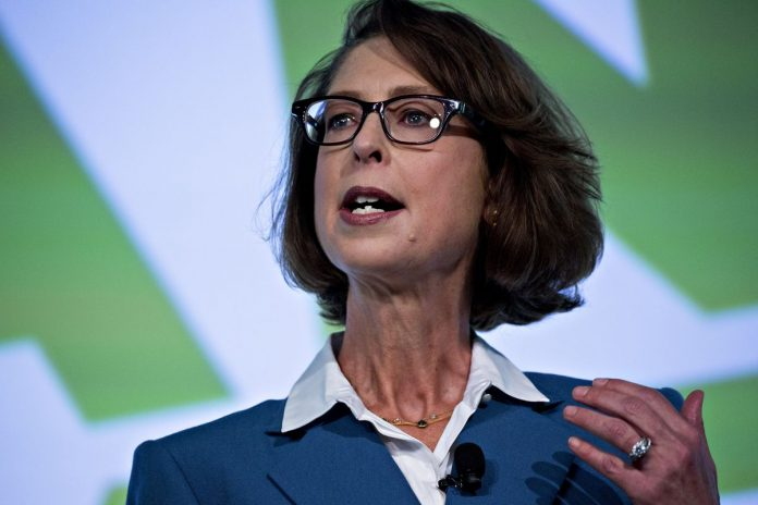 FIDELITY INVESTMENTS CEO Abigail Johnson said the company offered its four zero-expense index funds to attract new customers. / BLOOMBERG FILE PHOTO/ANDREW HARRER