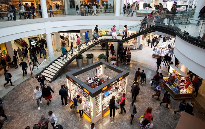 UNITED STATES retail sales rose 0.1 percent in September. / BLOOMBERG NEWS /MICHAEL NAGLE