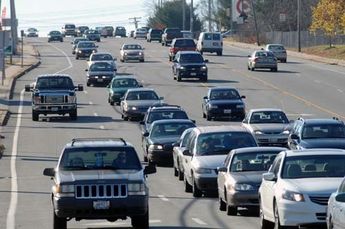 MORE THAN 2.4 MILLION New England residents are expected to travel more than 50 miles for the Thanksgiving holiday. Roughly 2.1 million of those travelers are expected to do so by car./ PBN FILE PHOTO/BRIAN MCDONALD
