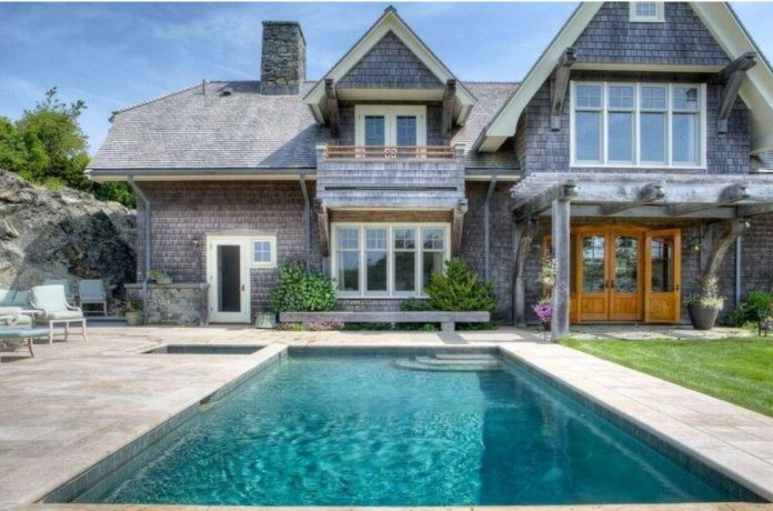 THE FORMER carriage house for the Wildacre estate has sold for $7 million. / COURTESY TERI DEGNAN REAL ESTATE & CONSULTING LTD.
