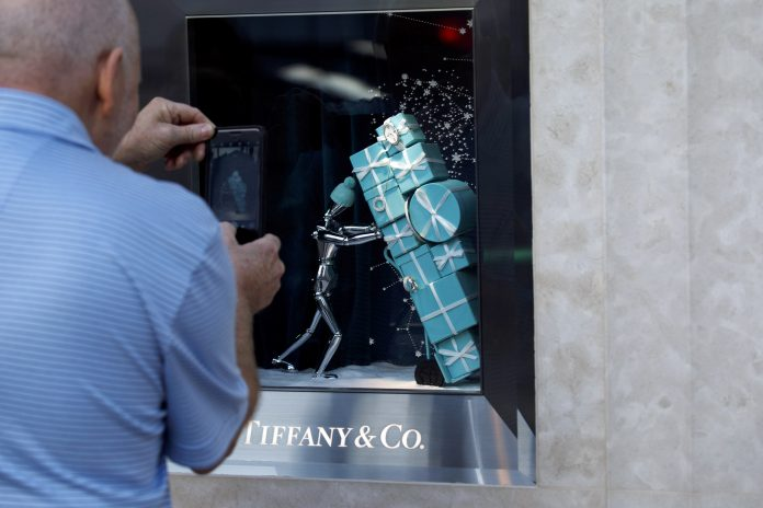 TIFFANY & CO. reported that third quarter net earnings were $94.9 million, a 5.6 percent decline year over year. / BLOOMBERG NEWS FILE PHOTO/PATRICK T. FALLON