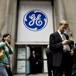GENERAL ELECTRIC's stock fell toward its recession-era low and the company's bonds fell sharply after an influential analyst at JP Morgan slashed his price target price. / BLOOMBERG NEWS FILE PHOTO/DANIEL ACKER