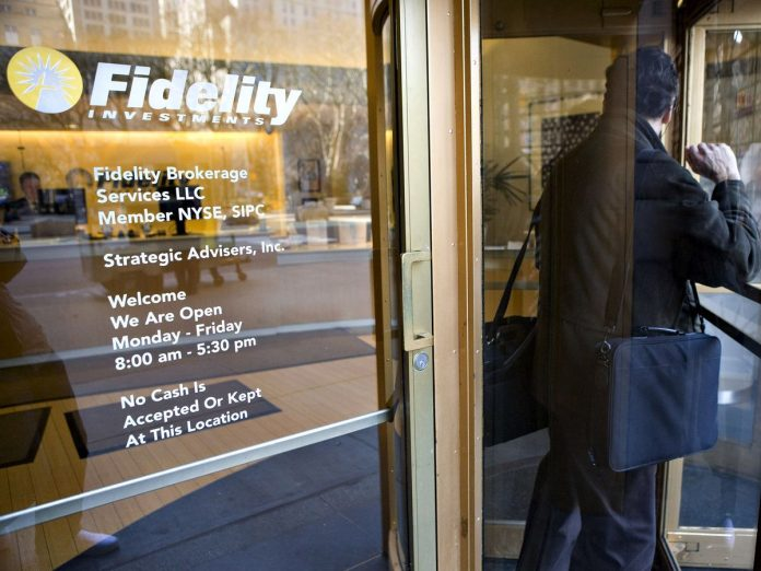 FIDEILITY'S MONEY-MARKET assets grew to $629 billion as of Oct. 31. / BLOOMBERG NEWS FILE PHOTO/ JB REED
