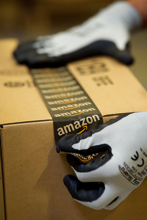 AMAZON.COM IS REPORTING a record-breaking holiday retail season, with hot-selling items ranging from Calvin Klein clothes to its Echo speakers. / BLOOMBERG NEWS FILE PHOTO