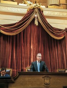WELCOMING NEW MEMBERS: House Speaker Nicholas A. Mattiello addresses freshmen lawmakers during an orientation meeting at the Statehouse in Providence. Mattiello said his top priority remains the elimination of the automobile excise tax. / PBN PHOTO/MICHAEL SALERNO