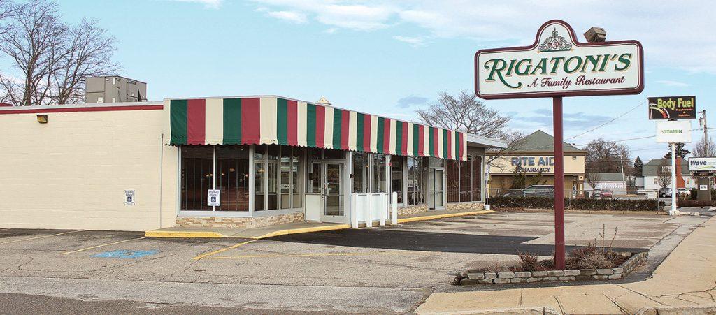 1225 Warwick Ave. (1955)OWNERS: Leonard J. Sholes Life Estate and Sholes Brothers GPTENANT: Rigatoni's Family Restaurant