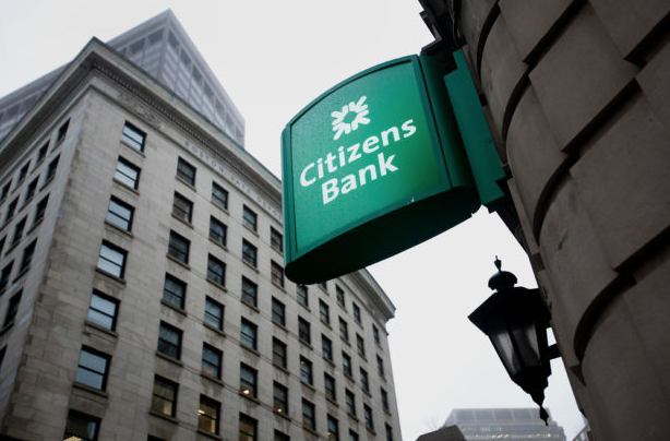 CITIZENS FINANCIAL GROUP, the holding company for Citizens Bank, reported that profit rose to $1.7 billion in 2018. / BLOOMBERG NEWS PHOTO/KELVIN MA