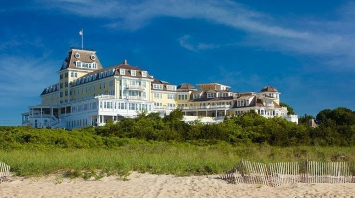 COAST, a restaurant at the Ocean House in Westerly, was named a Five Diamond restaurant by AAA. / COURTESY OCEAN HOUSE