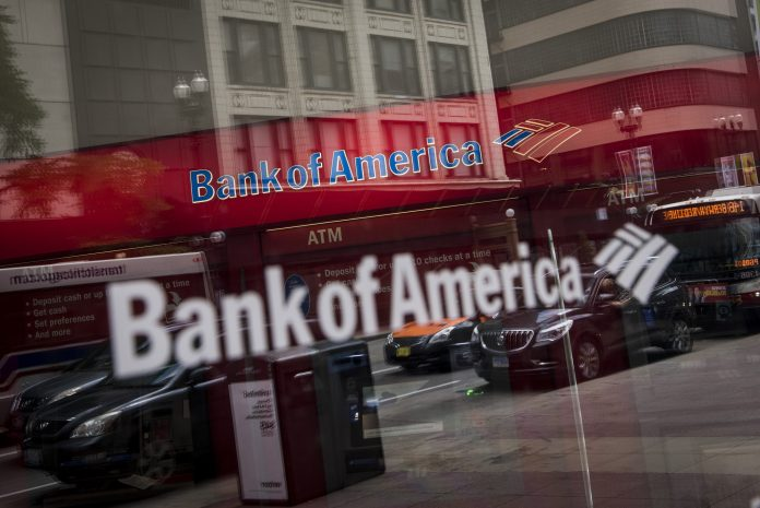 DESPITE $21 BILLION in savings due to the Republican tax overhaul at the 23 U.S. banks the Federal Reserve deems most important to the nation's economy, firms still cut thousands of jobs and saw their lending growth slow. / BLOOMBERG NEWS FILE PHOTO/CHRISTOPHER DILTS