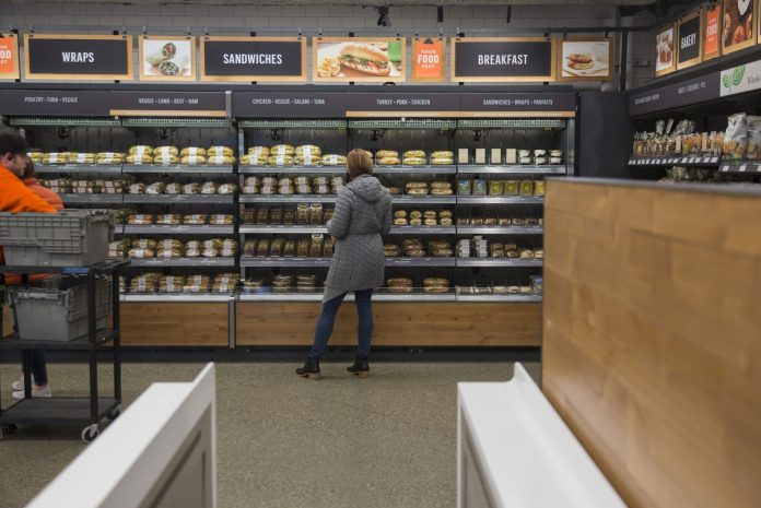 AMAZON.COM is planning to expand its grocery footprint beyond Whole Foods, according to the Wall street Journal. / BLOOMBERG NEWS FILE PHOTO/MIKE KANE