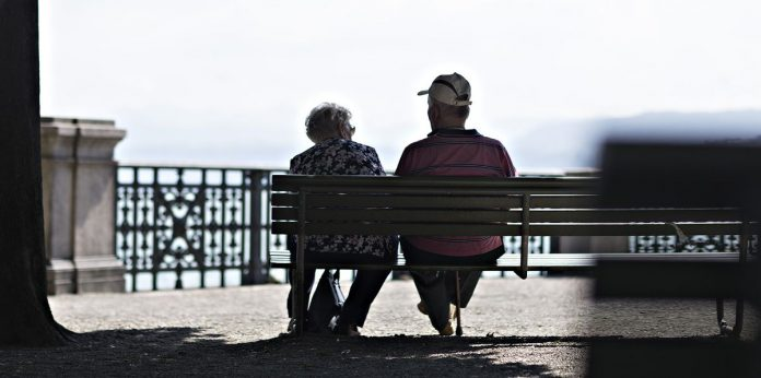 ALMOST HALF of Americans over the age of 55 do not have funds in an 401(k) or a personal retirement account. / BLOOMBERG NEWS FILE PHOTO/MICHELE LIMINIA