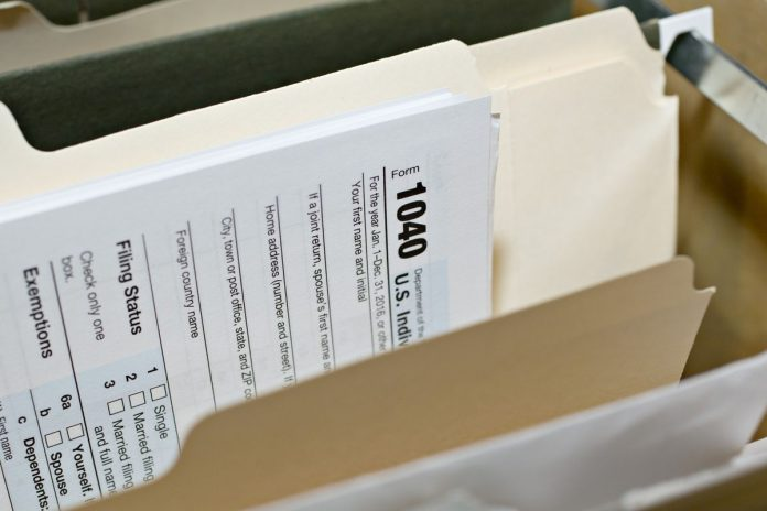 THE IRS is looking to eliminate the remaining loopholes related to the state and local tax deduction cap. / BLOOMBERG NEWS FILE PHOTO/DANIEL ACKER