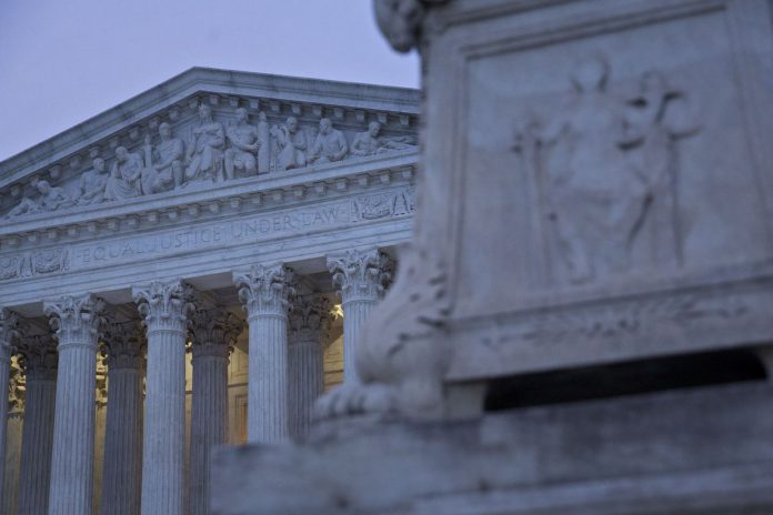 THE U.S. SUPREME COURT gave businesses more power to channel disputes into individual arbitration proceeding in a ruling Wednesday. / BLOOMBERG NEWS FILE PHOTO/ANDREW HARRER