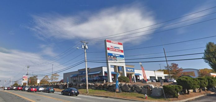 THE SHOPPING CENTER at 1276 Bald Hill Road in Warwick was sold for $8 million. / COURTESY GOOGLE INC.