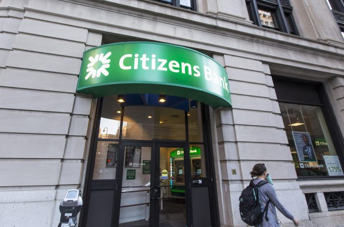 CITIZENS BANK reported net income of $439 million in the first quarter, an increase of 13.1% over the same 2018 period. / BLOOMBERG NEWS FILE PHOTO/SCOTT EISEN