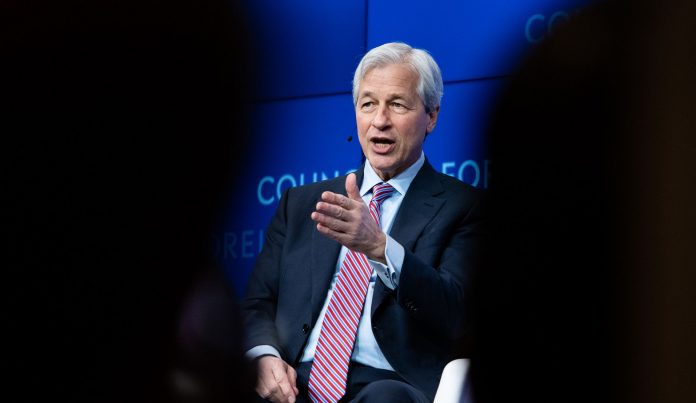JPMORGAN Chase & Co. CEO Jamie Dimon warned the company's biggest rival, Bank of America, that Chase is aiming to compete for its retail banking business with expansion into 20 cities. / BLOOMBERG NEWS FILE PHOTO/MARK KAUZLARICH