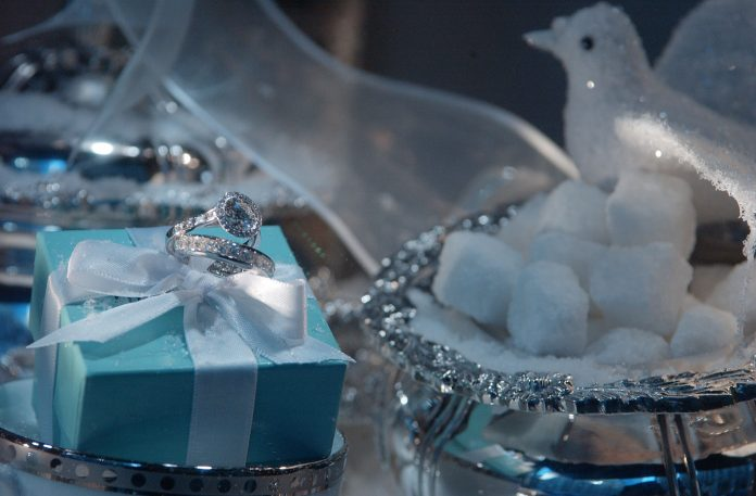 TIFFANY & CO. reported a $%125.2 million profit for the first quarter of 2019. / BLOOMBERG NEWS FILE PHOTO/DANIEL ACKER