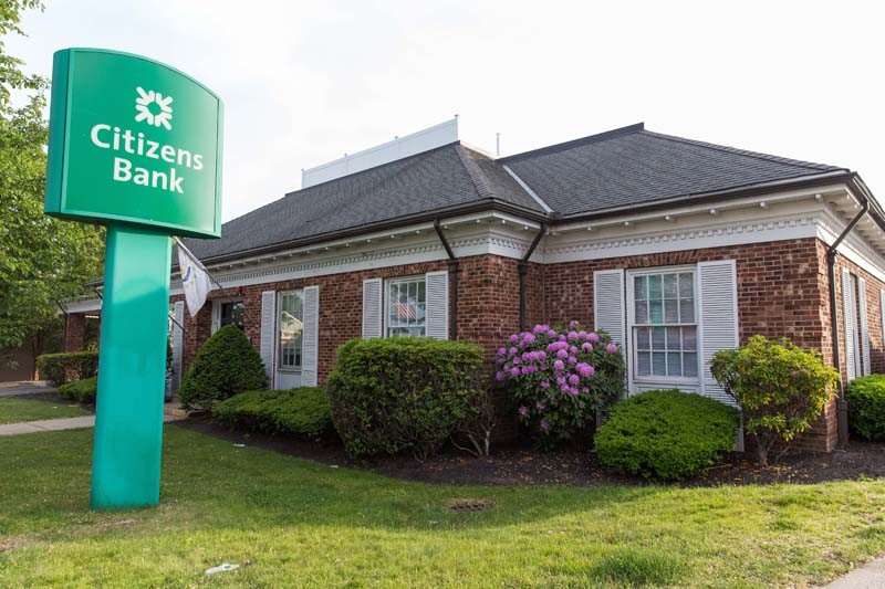 CITIZENS BANK's holding company reported net income of $453 million in the second quarter ended June 30, a 7% increase from the same period last year. /PBN FILE PHOTO