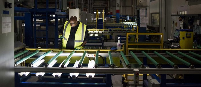 U.S. FACTORY OUTPUT output climbed 0.4% from the prior month in June. / BLOOMBERG NEWS FILE PHOTO/TY WRIGHT
