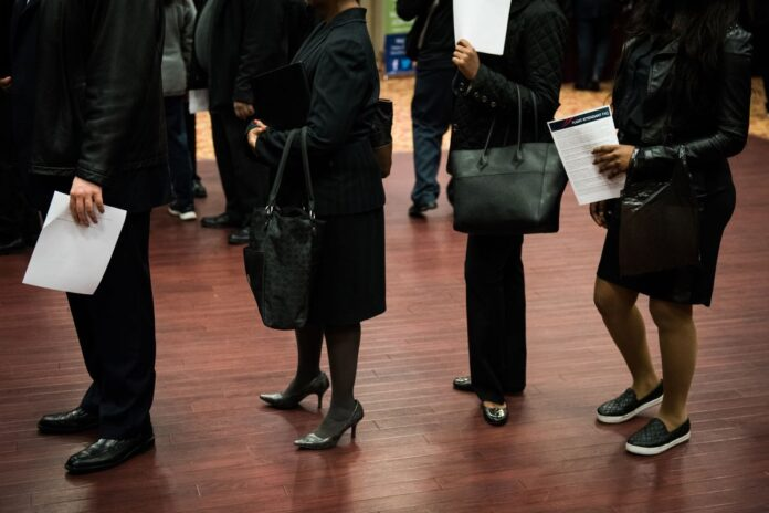 THE U.S. is experiencing a lack of skilled labor amid a tight labor market. / BLOOMBERG NEWS FILE PHOTO/MARK KAUZLARICH