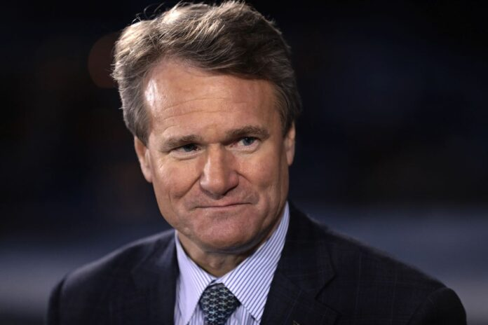 BANK OF AMERICA CEO Brian Moynihan said that recession risks are low in the U.S. as consumer spending remains strong but noted that fear of a recession could impact the economy. / BLOOMBERG NEWS/SIMON DAWSON